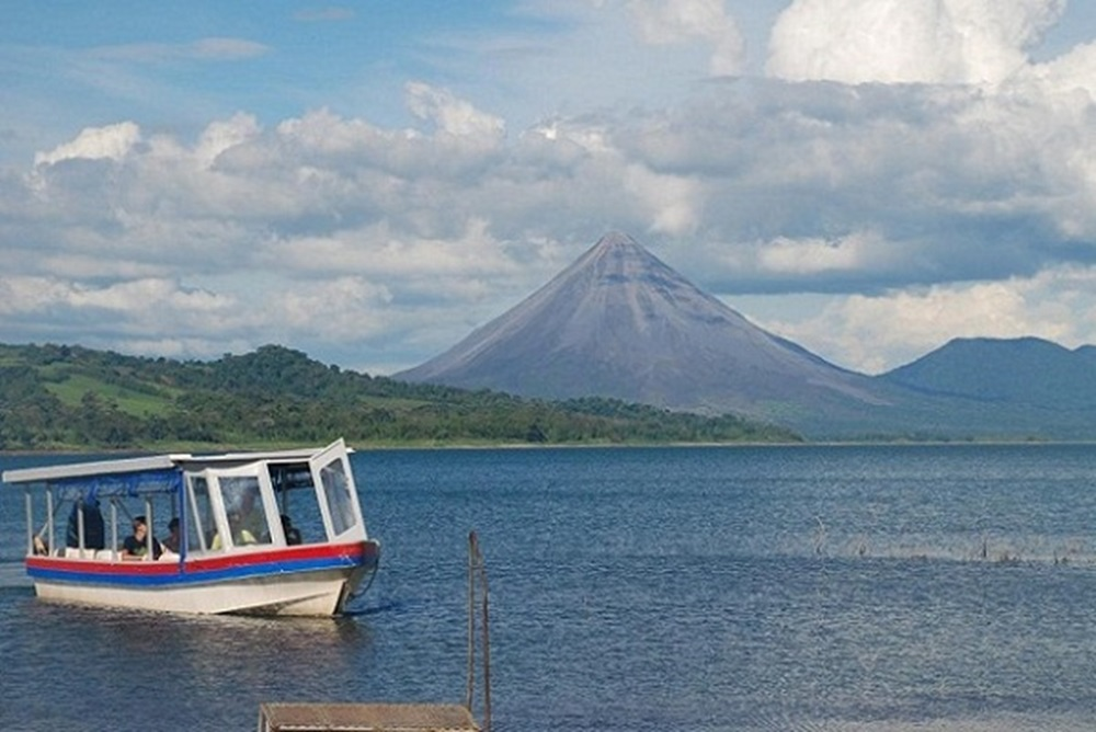 Lago Arenal | Jeep Boat Jeep